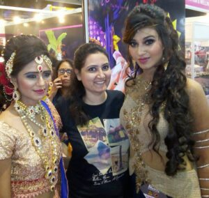 Indian-Bride-Bridal-prebridal-makeup-beauty-tips-Gujarati-Jain-Bridal-makeup-package-Mira-road-reasonable-cost-Rs-3000 Family Bridal package Rs 15000