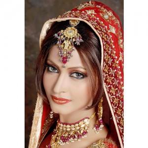 Indian Bridal makeup makeup artist ladies beauty parlour salon beauty tips hairstyles indian wedding hair style bridal prebridal package Goregaon mumbai Rs 5000